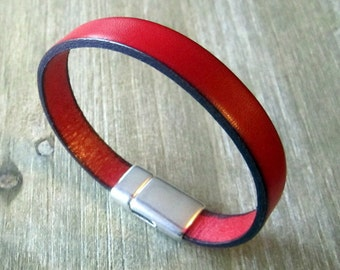 Men's red leather bracelet. Plate 10MM magnetic silver clasp