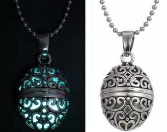 Glow N Dark necklace