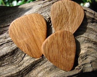 Wooden Guitar Pick, Hand-Crafted, Natural Oak - 3 pack