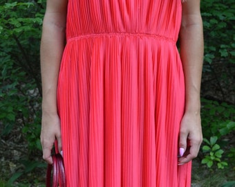 Pleated dress raspberry vintage style