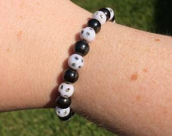 Black and white monchrome beaded bracelet