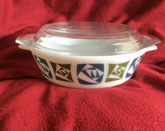 Pyrex JAJ Checkers Casserole Dish with Lid 2 Pint
