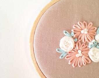 "3"" Floral Embroidery Hoop"