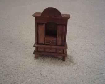 Miniature dresser for dolls house