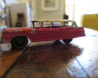 Tootsietoy Red Ford Country Sedan Toy Car Vintage P-10295 Diecast made in Chicago