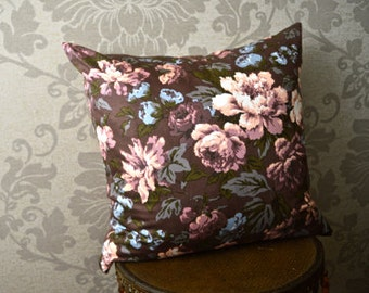 Vintage 1960's Floral Decorative Pillow