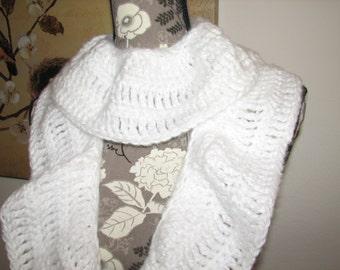 Women's Crocheted Ruffled Snow White Long Scarf