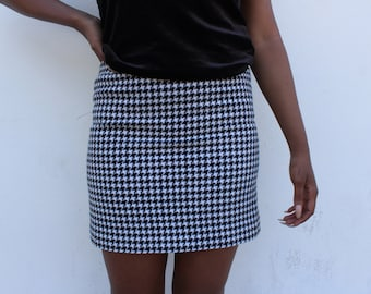 Mini Skirt Black and white Hounds Tooth 1990s Grunge style