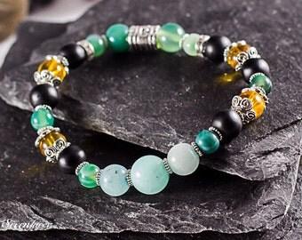 Handmade bracelet with gemstones