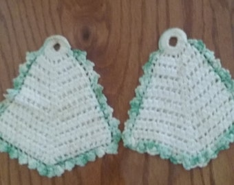 vintage hand crocheted pot holders (set of 2)