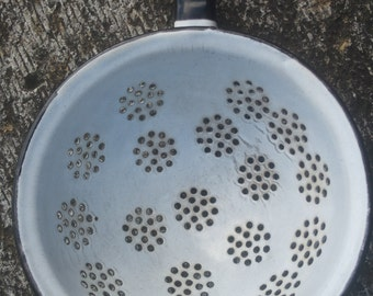 Vintage enamel strainer, Retro kitchen decoration, Collectible strainer,Vintage colander, Retro strainer, Pasta strainer, Enamel colander,