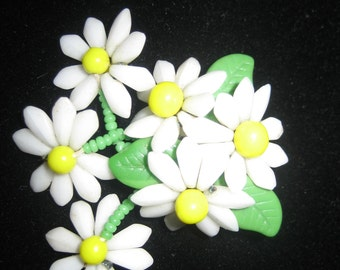 1950's vintage White Green & Yellow All Milk Glass Daisy Cluster Flower with 3 dangle daisies Pin Brooch, Germany