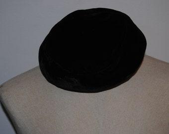 Vintage Black Velvet Pillbox hat