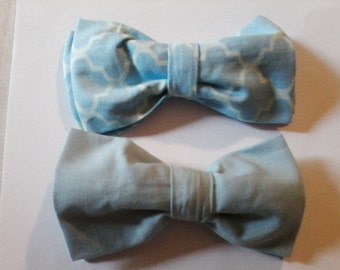 Boy Blue Set of two interchangeable bow ties.