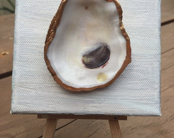 Small Oyster on Silver/Gold Canvas