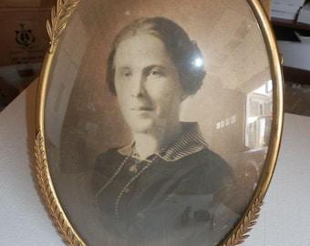 Wonderful Antique Oval Embelished Convex Picture Frame