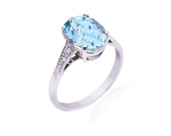 R057 Aquamarine Single Stone Ring