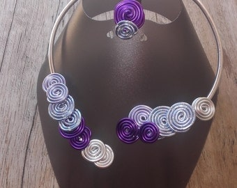 Purple necklace and ring set in aluminum wire