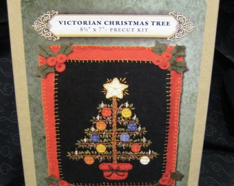 Lumenaris Victorian Christmas Tree Felt Pillow Kit