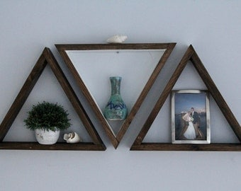 Set of 3 triangle shelves