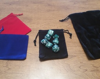 Random Polyhedral Dice Set with Bag