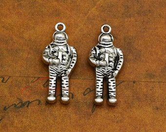10PCS--30x13mm Astronaut Charms, Antique Silver Tone 3D Astronaut Charm pendant, DIY Findings, Jewelry Making LCM0203