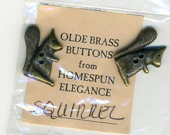 Olde Brass Button Charms - Squirrel - by Homespun Elegance 2 Per Package