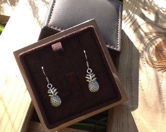 Earrings dangling pineapple