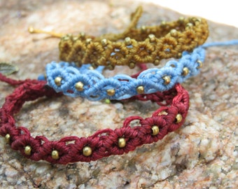 3 bracelets in various colors at a special price