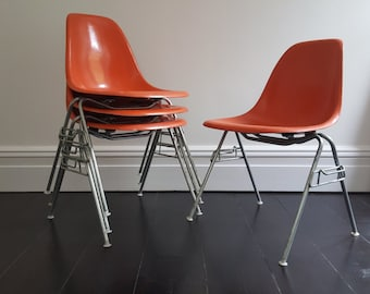 Original vintage set of 4 Charles & Ray eames DSS Fibreglass chairs by Herman Miller
