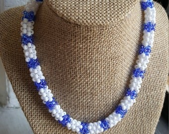 Circular beaded peyote Necklace (adjustable)