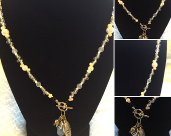 Wing front closure necklace