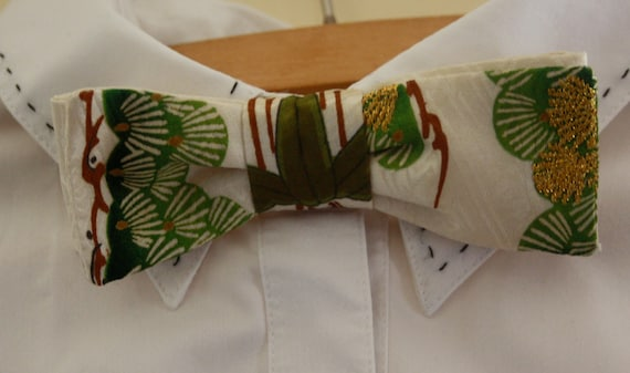 Foxy and Boo adjustable silk bow tie