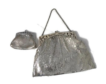 Whiting and Davis Silver Mesh Purse - Change Purse, Art Deco Frame, Silver Chain Strap with Kiss Closures, Evening Bag