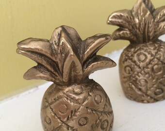 Small Brass Pineapple Pair / Solid Brass / Hollywood Regency