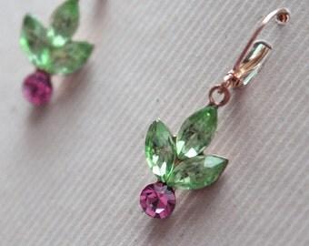 Glass & Swarovski Leaf Earrings - Gold Plated Leverback Earwires