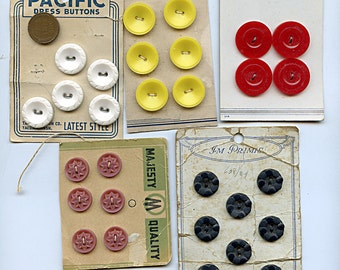 5 Sets of 1940s Dress Buttons (29) Total RED, YELLOW, Black, Mauve, White 1487