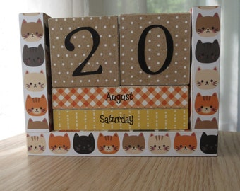 Perpetual Calendar - Month and Day - Meow Meow Kitty Heads