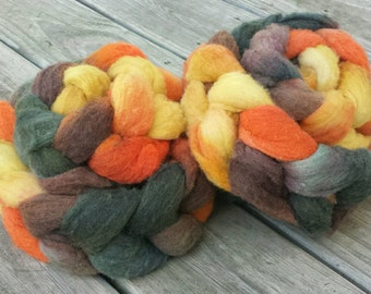 SALE 20% OFF Yarn Hollow Hand Dyed Polypay Roving Nosferatu Multi Color Spin American Wool