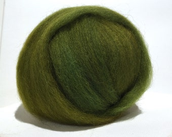 Green gold wool roving, Felting wool, Spinning Fiber, 1 oz w free coordinated samples, yellow green, olive golden green *dyed to order*