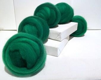 Emerald Green, Roving, Needle Felting Spinning Fiber, Christmas green, kelly green, w 3 free coordinated fiber samples