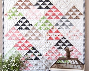 MINI Homestead mini quilt pattern from Lella Boutique