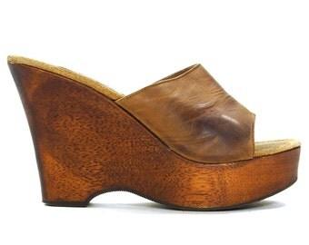 90s Platform Sandals / Vintage 1990s Chunky Slip On Wooden Wedges / Steve Madden Brown Leather High Heel Mules / Grunge Boho Hippie Womens 9