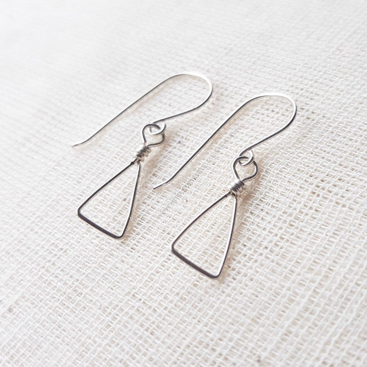 triangle earrings wire wrapped dangle earrings. Black Bedroom Furniture Sets. Home Design Ideas