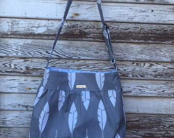 Purse-Shoulder Bag-handbag-everyday bag- tote-gray white feathers