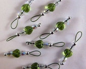 Peridot Heart Stitch Markers on Khaki Wire - US 5 - Item No. 687
