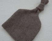 Recycled Light Brown Cashmere Baby Hat - 0-3 months