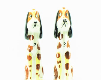 Vintage Tall Spotted Dog Salt and Pepper Shaker Set, Retro Kitchen, S & P, Hound Dog, Beagle, Animal, Novelty Salt and Pepper Shakers