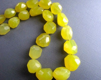 Sunshine. Chunky Yellow Agate Necklace, Canary Yellow Gemstone