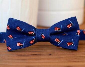 Mens US Flag Bow Tie - American flag bowtie - mens patriotic tie - USA - 4th of July bow tie - red cream blue tie - summer wedding - novelty